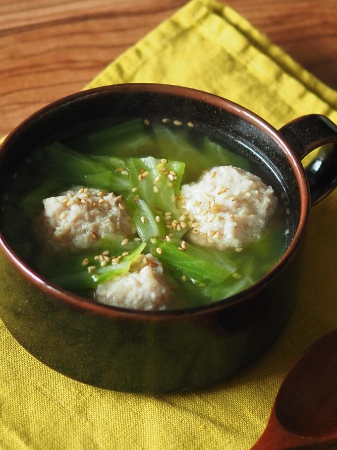 キャベツと肉団子のスープ