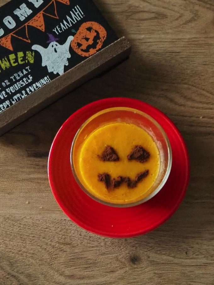 ハロウィンのかぼちゃプリン